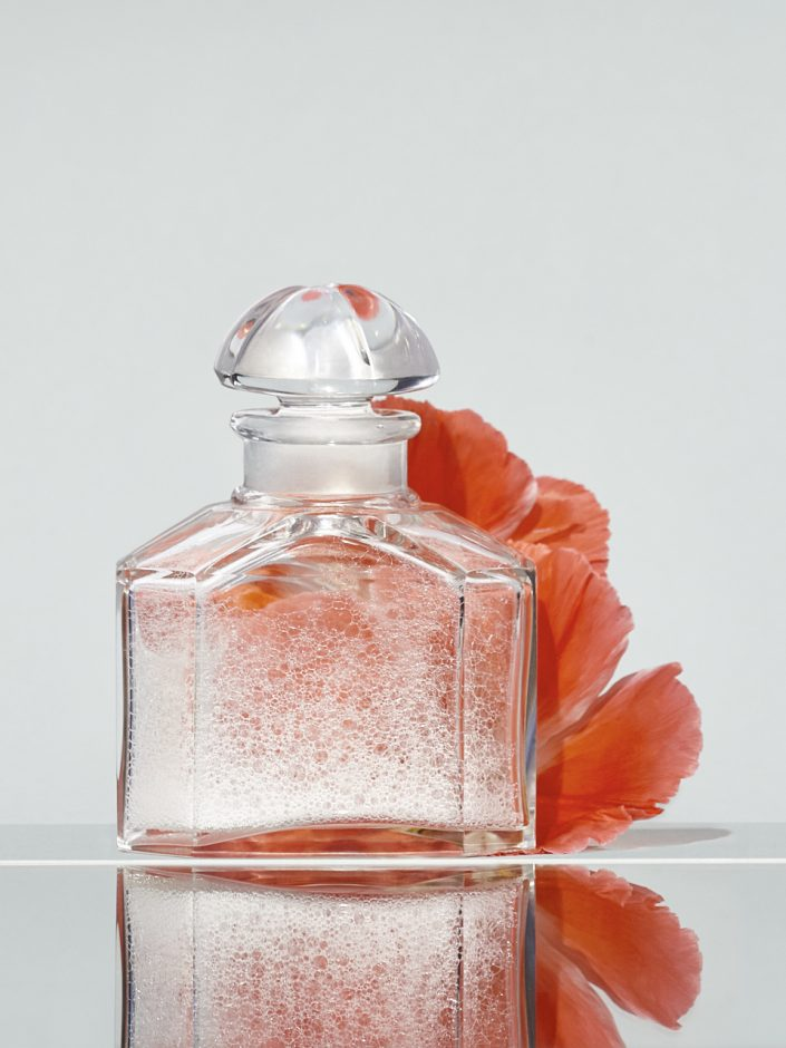 Nature morte flacon de parfum
